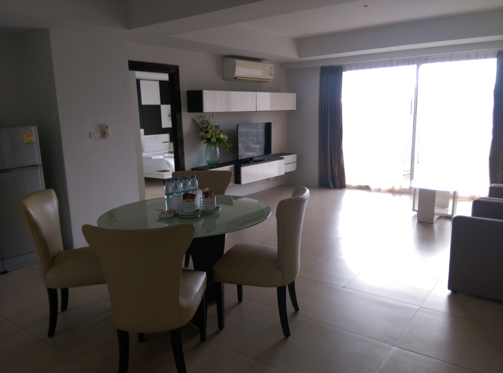 2 Bedrooms Sea View for Rent – Patong beach