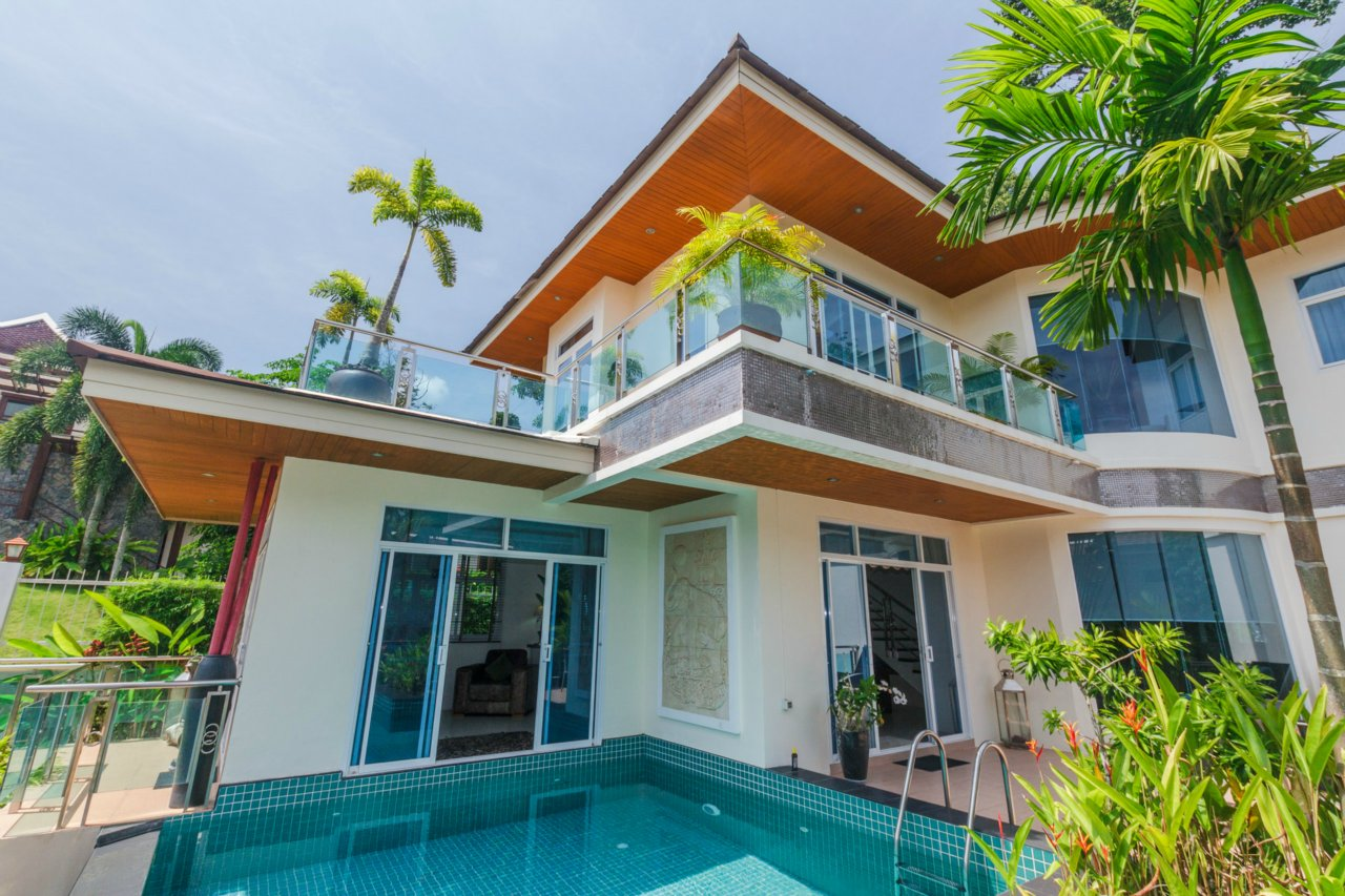 4 Bedrooms Pool Villa in Kata