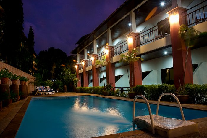 Hotel with Restaurant - Swimming Pool for Lease - Patong beach
