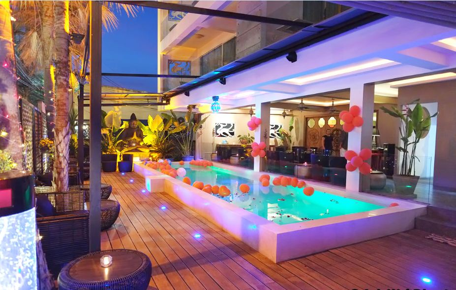 Lounge Bar & Restaurant Swimming Pool for Lease – Rawai Phuket