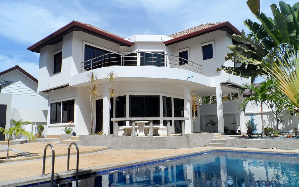 3 Bedrooms Pool House for Sale – Rawai