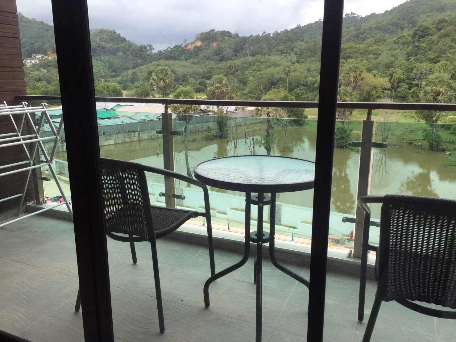 Freehold Condo for Sale – Naithon beach
